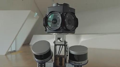 도락주 고려대 전기전자공학부 교수가 개발한 3차원 공간 스캐너 로봇. 전시장에서 직접 볼 수 있다. - TeeVR 영상 캡처 제공
